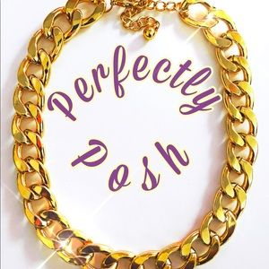 Jewelry - Gold Chunky Necklace